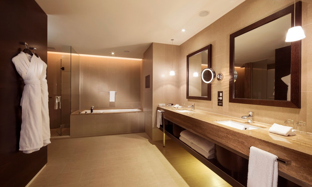 Iconic Bathroom_GHMumm Grand Cordon Valentines Stay Competition
