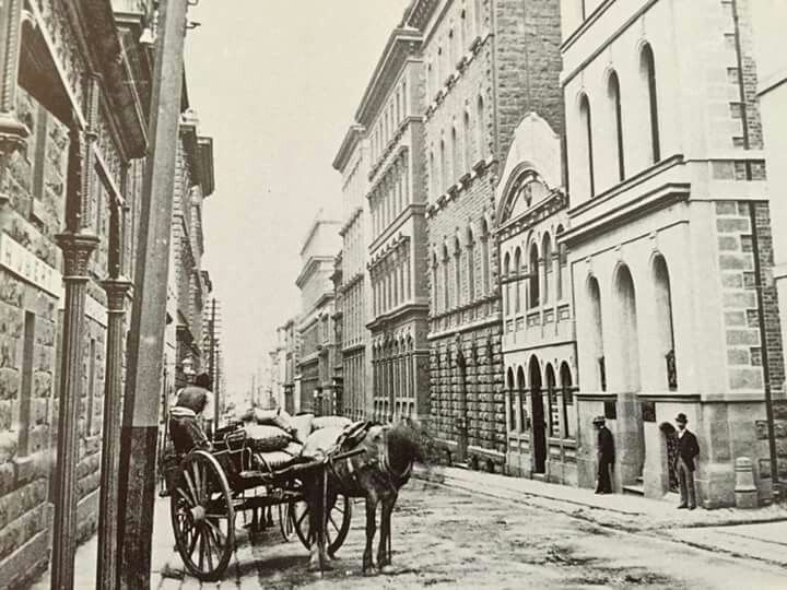 Flinders Lane_Entrance to Rialto Lane-National Library of Victoria